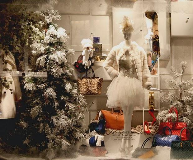 71f99c58d Um tour pelas vitrines de Natal das principais lojas de NY  Bergdorf  Goodman