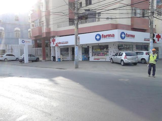 A luta pelo retorno do ponto de ônibus para a esquina da Rua Fonte do Boi continua