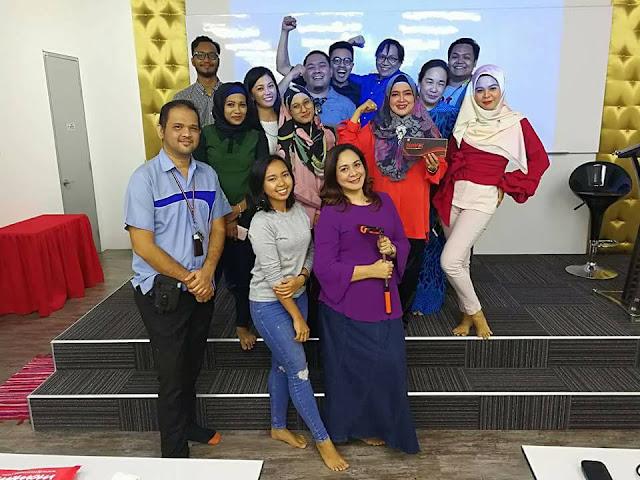 Dato' Hajah Jahlilawati Abu Bakar Bergambar Bersama Blogger