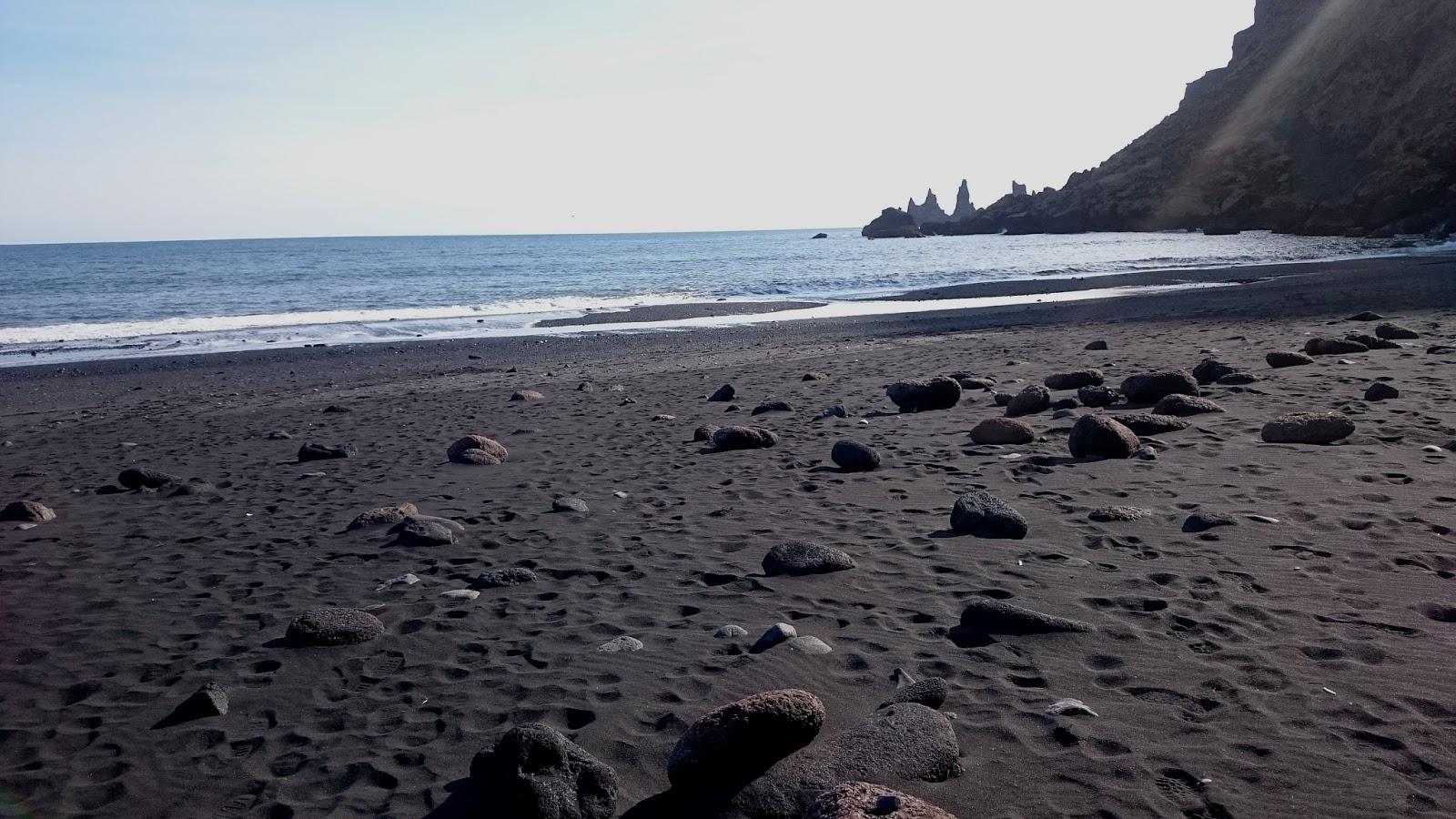plaża w Viku, Vik, czarna plaża, islandzka plaża, atrakcje Islandii, Islandia