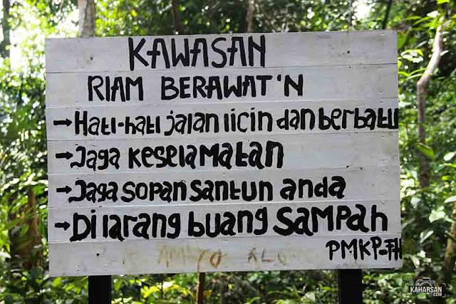 peringatan Riam Berawat'n Tempat Wisata Di Kecamatan Seluas Kabupaten Bengkayang - kaharsan