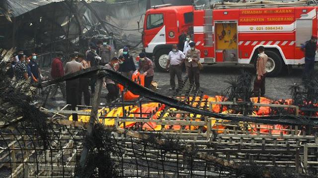 Kronologi Kebakaran Pabrik Kembang Api Tangerang beserta Foto Didalam Pabrik sebelum Terbakar
