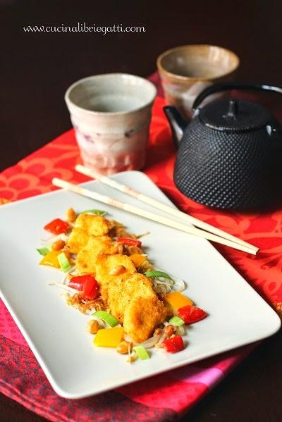 pollo croccante con verdure e arachidi ricetta