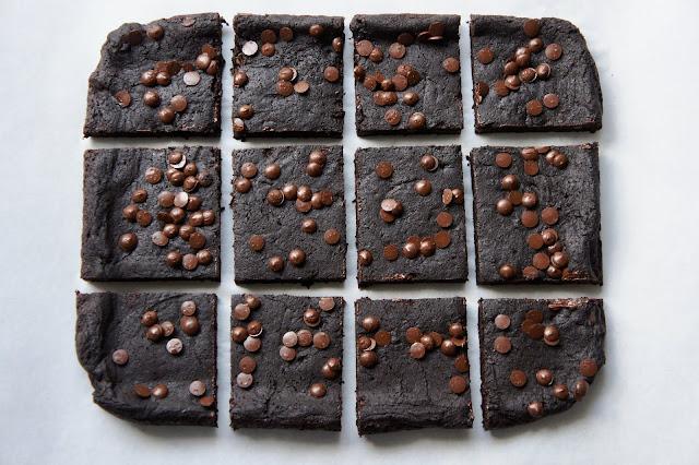 REZEPT: saftige Bohnen Brownies (glutenfrei + vegan)