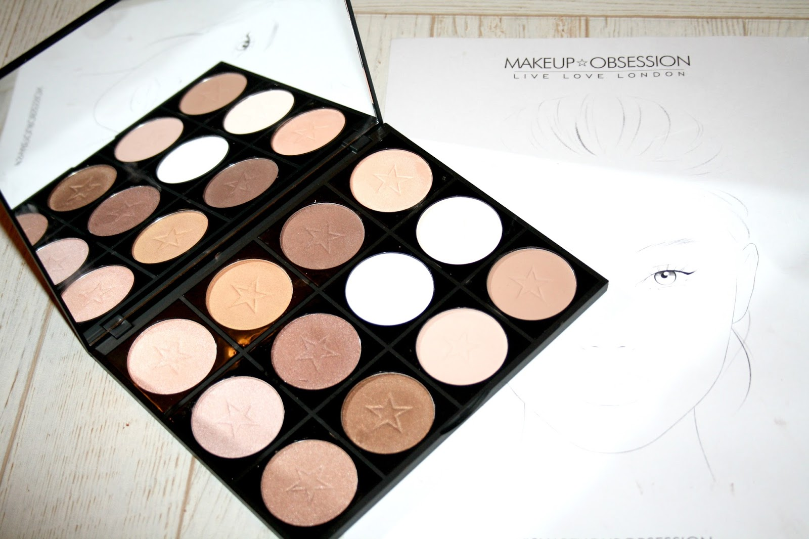 Makeup Obsession So Dope Shadow Palette With Cannabis