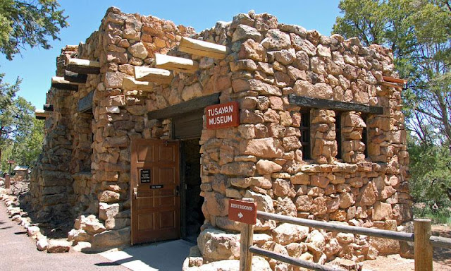 Tusayan Ruin and Museum com criança no Grand Canyon