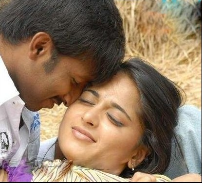 Anushka Shetty hot pics, Anushka Shetty with Gopichand