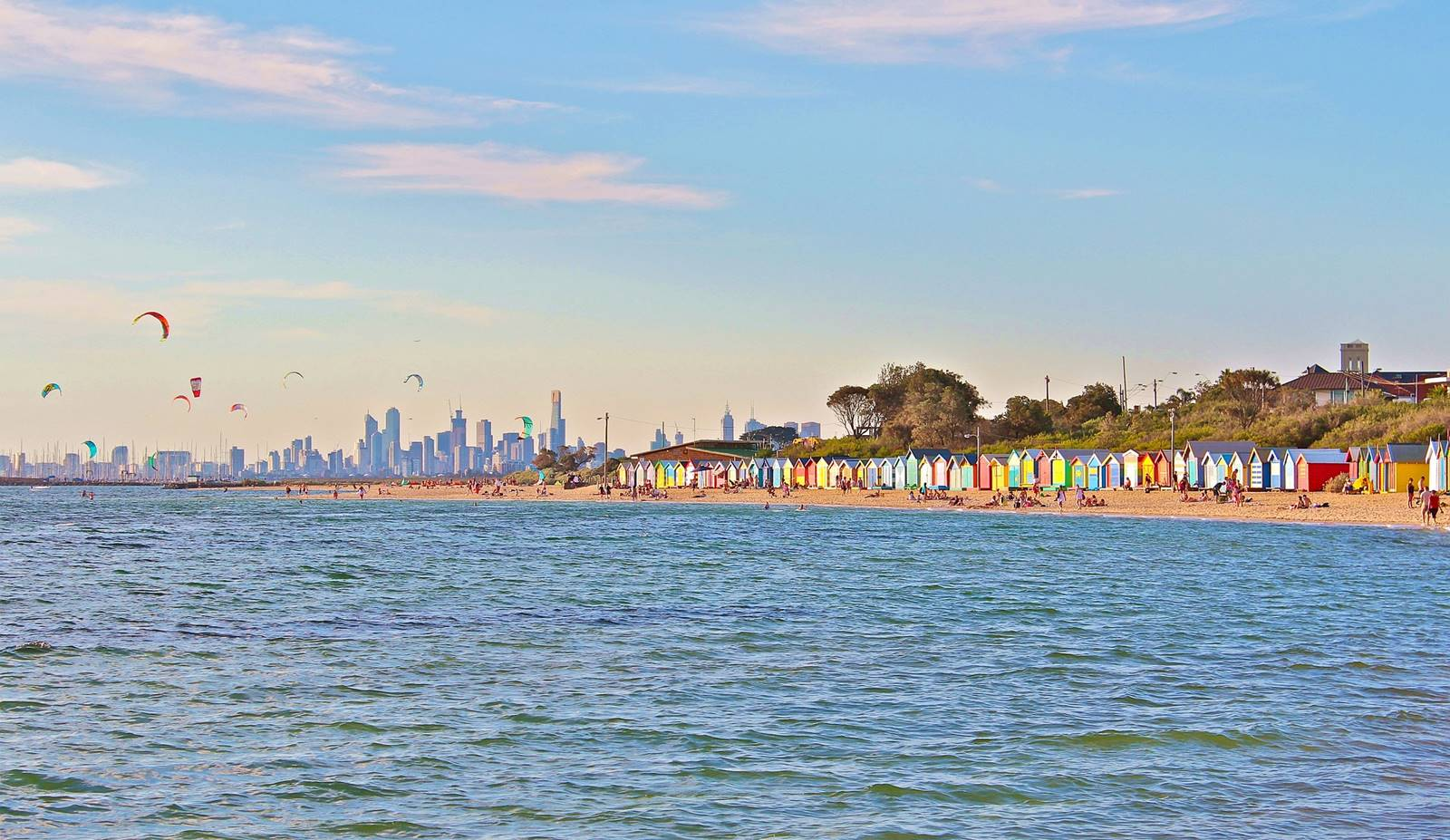 墨爾本-郊區-推薦-景點-彩虹小屋-Brighton Bathing Boxes-墨爾本必玩景點-墨爾本必遊景點-墨爾本必去景點-行程-自由行-墨爾本旅遊景點-墨爾本觀光景點-墨爾本好玩景點Melbourne-Travel-Attractions