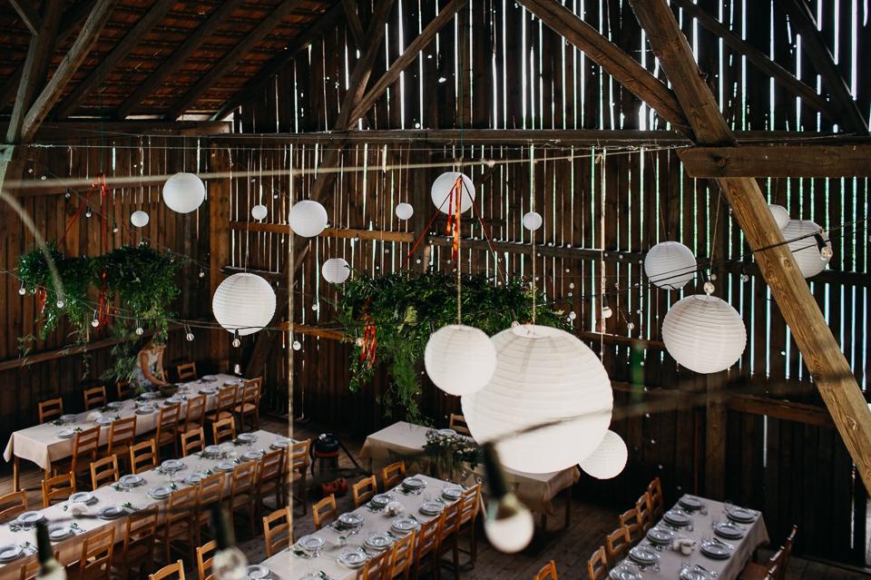 drewniana stodoła na wesele