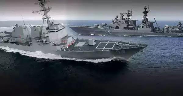 «Θερμό» επεισόδιο στην Αραβική Θάλασσα: Ρωσικό πλοίο επιχείρησε να εμβολίσει αμερικανικό! (βίντεο)