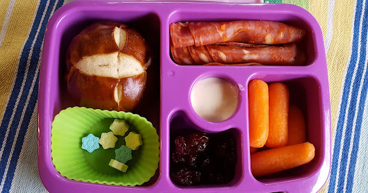Henry's Lunchbox - Two Lollipops and Two Empty Lunches