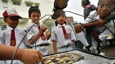 Jajanan anak SD Paling Laris di Sekolahan, Mau coba Jualan?