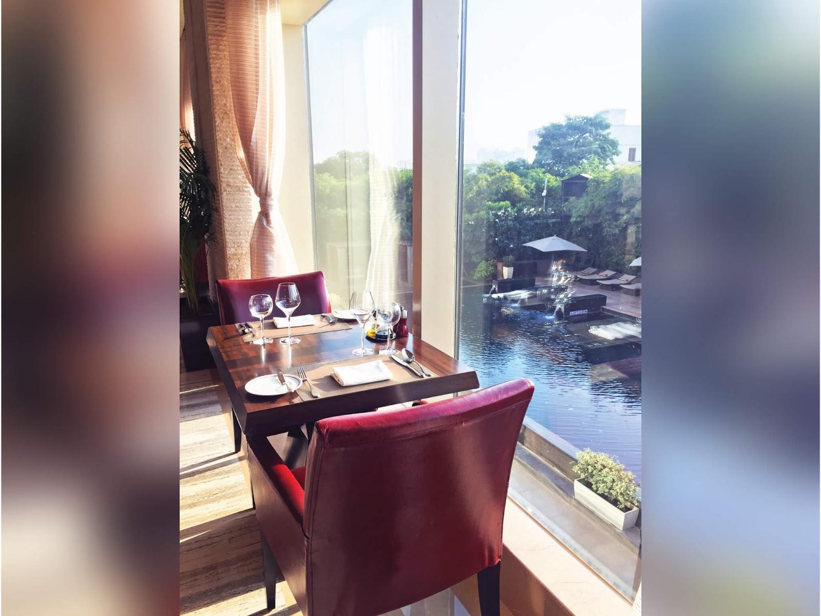 White apron gurgaon - Indeed A Beautiful Kitchen Le Meridien Gurgaon