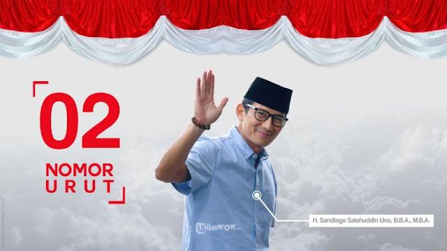 Aksi Sandiaga Uno Kecup Pipi Ahmad Dhani di Atas Panggung saat Nyanyikan Lagu #2019GantiPresiden