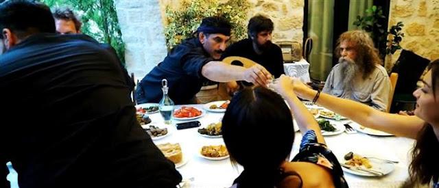 Θα κλάψετε από τα γέλια με το νέο βίντεο για τον Ημιμαραθώνιο της Κρήτης