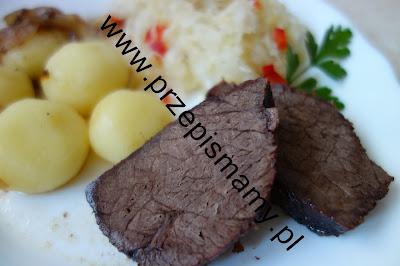 Pieczeń wołowa z kluskami