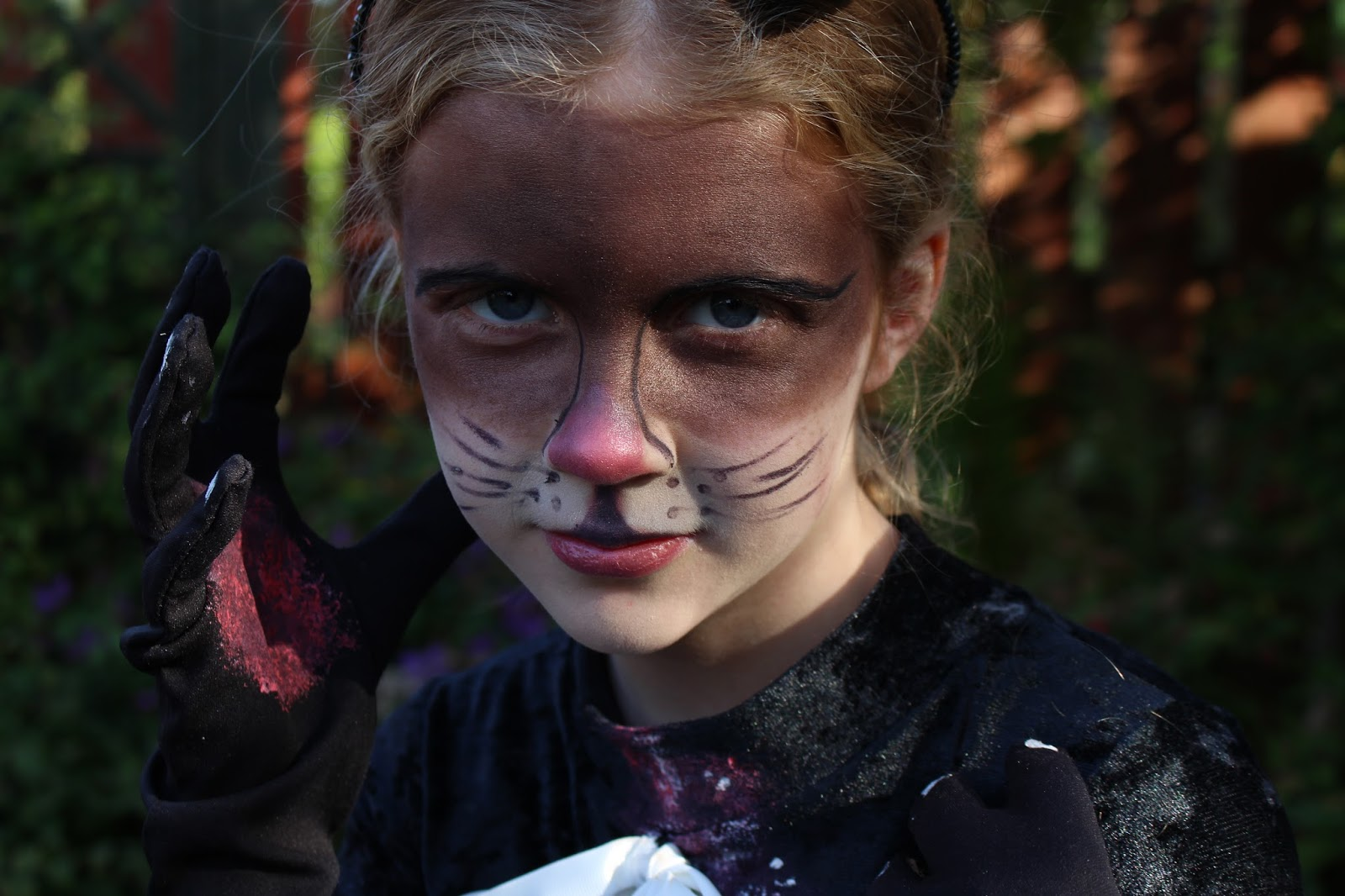 Witch's Cat | Halloween Makeup and Costume.