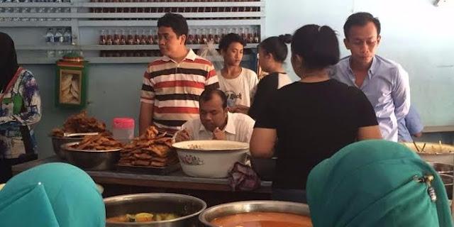 Demi kalahkan Ahok, politisi PKS makan di warteg 'Jokowi dan Mega'