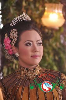rias pengantin busana nasional