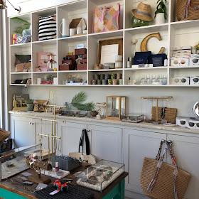 côte, nail salon, Brentwood, Los Angeles, Salon and Spa Directory, nails, nail polish, nail lacquer, nail varnish, manicure, pedicure