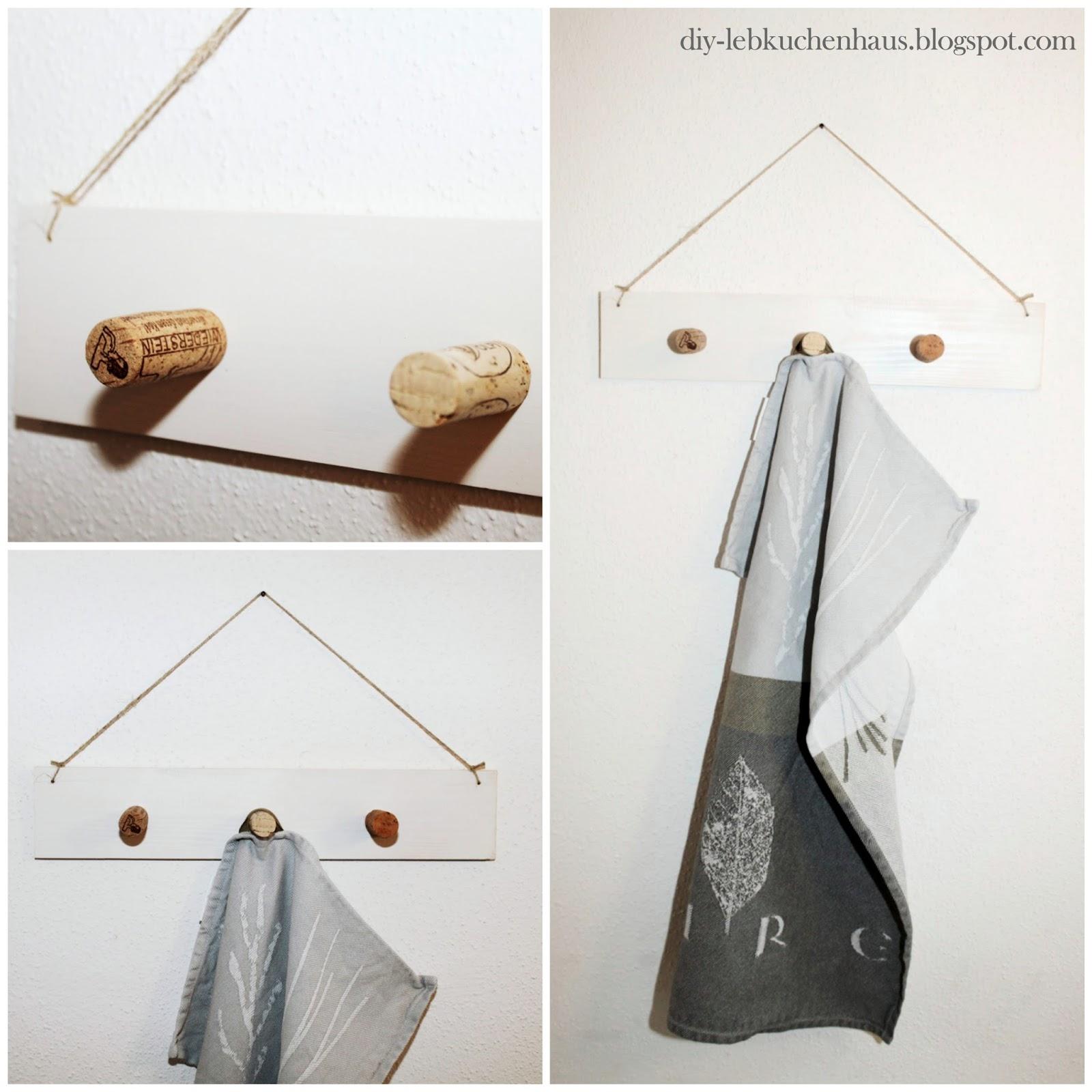 simple wandgarderobe selber bauen basteln mit weinkorken. Black Bedroom Furniture Sets. Home Design Ideas