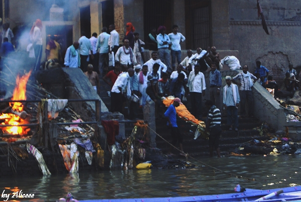 Manikarnika-Ghat-Varanasi-India