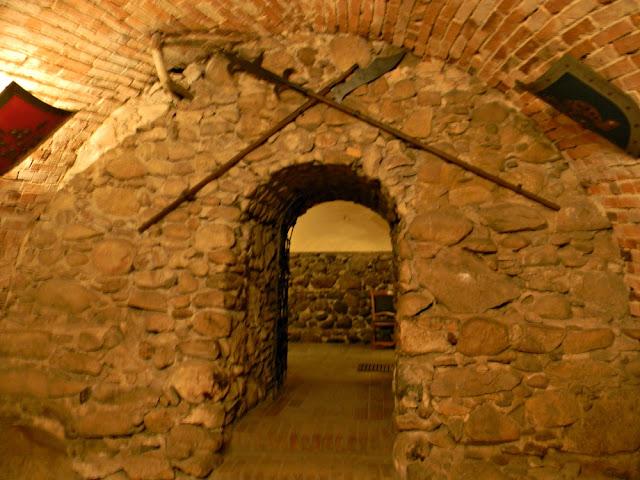 Piwnice zamku w Kożuchowie owiane są mgiełką tajemnicy.