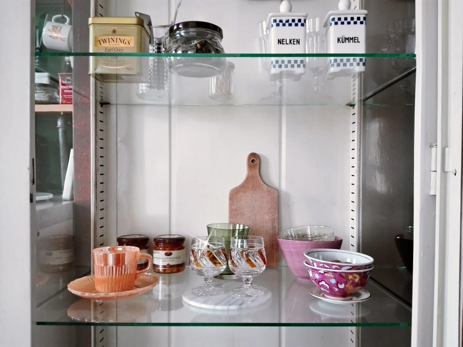 Nowości W Kuchni Szpitalna Szafka Vintage I Marmurowe Deski