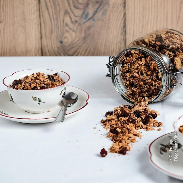 Kokos-Knusper-Granola - Frühstücksmüsli