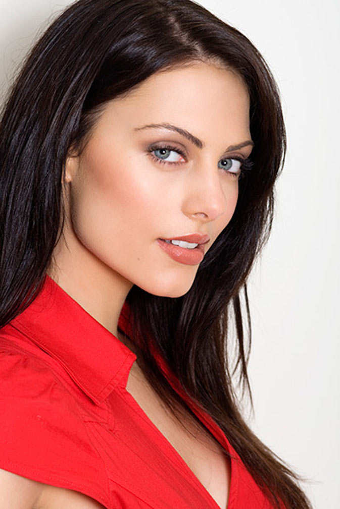 All About Celebrity: Julia Voth Height, Weight, Body