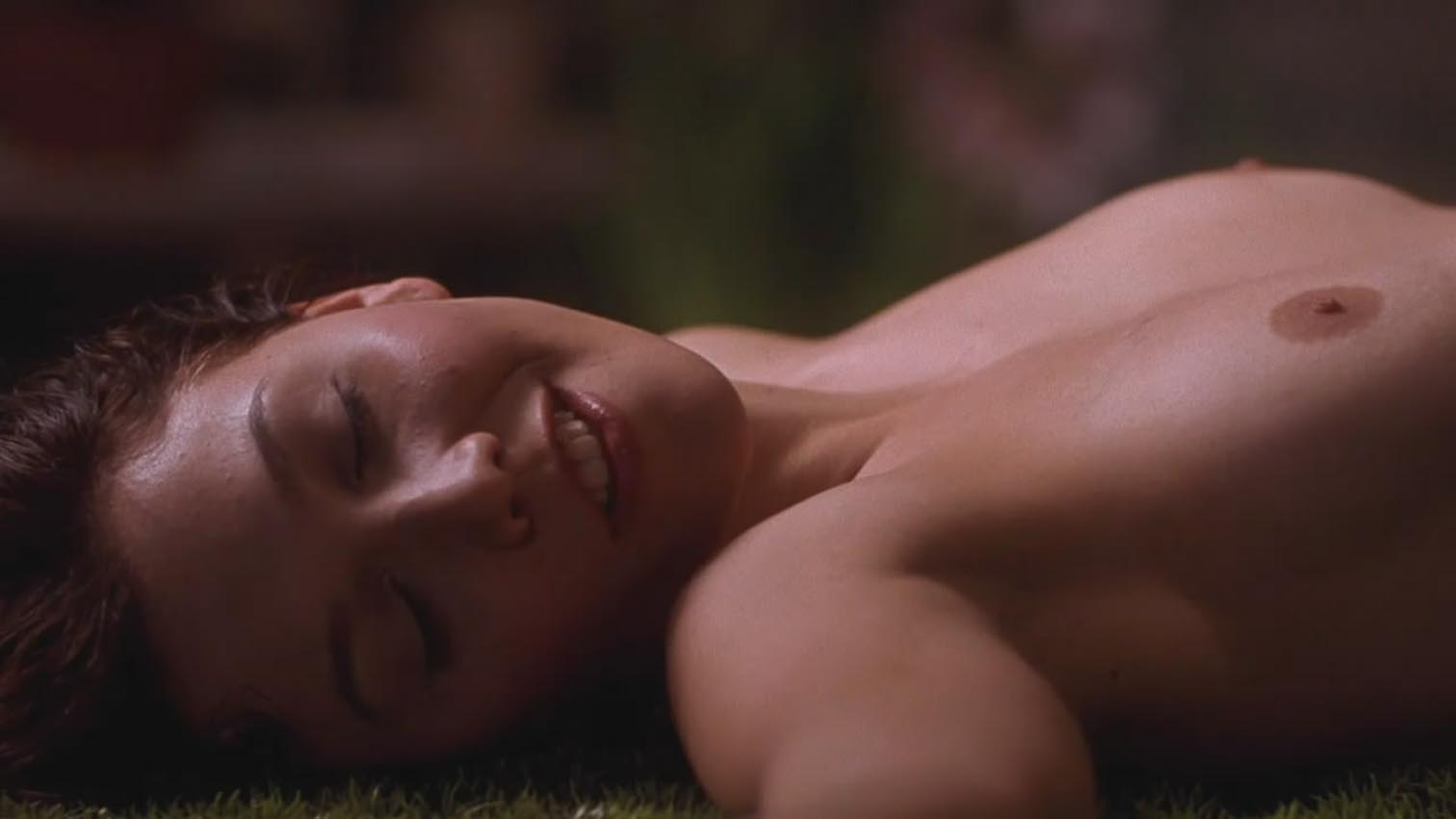 image Maggie gyllenhaal in the deuce s01e04