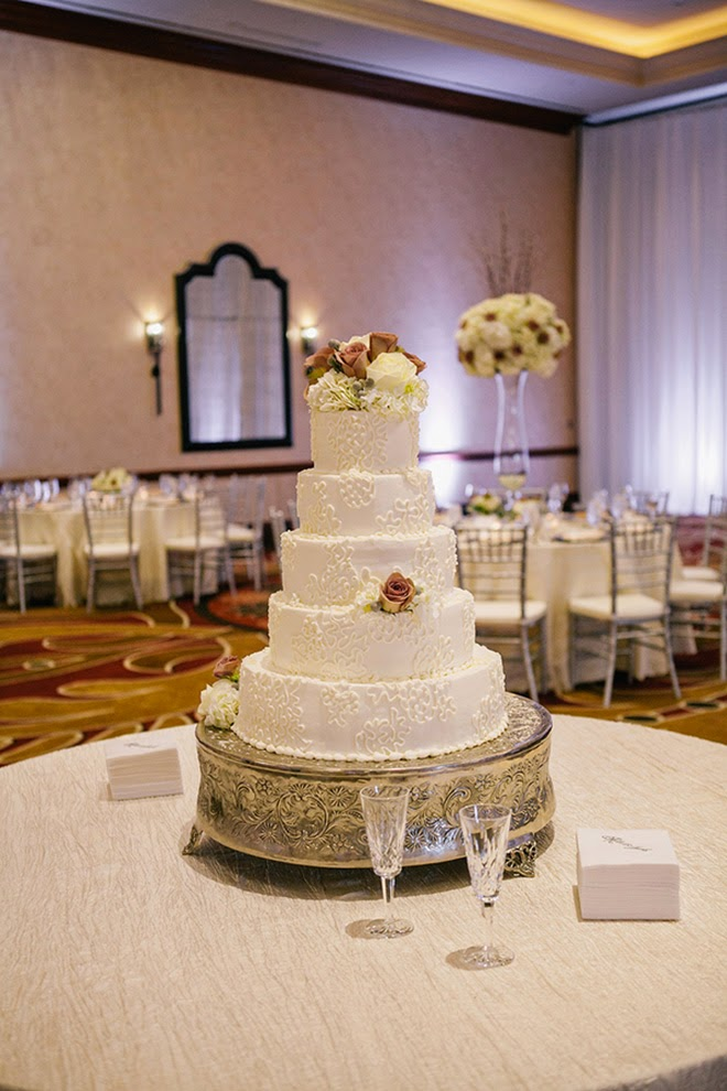 A Neutral Winter Wedding in San Antonio Texas  Belle The Magazine
