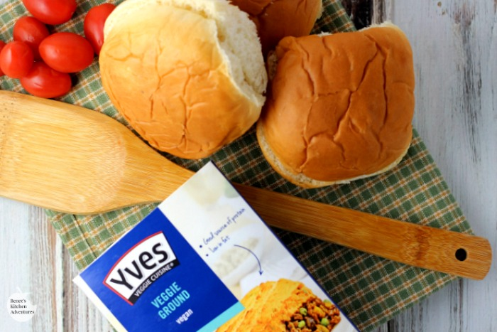 Easy Meatless Sloppy Joes | by Renee's Kitchen Adventures - quick easy meatless dinner or lunch recipe for a from-scratch vegan/vegetarian Sloppy Joes #ad