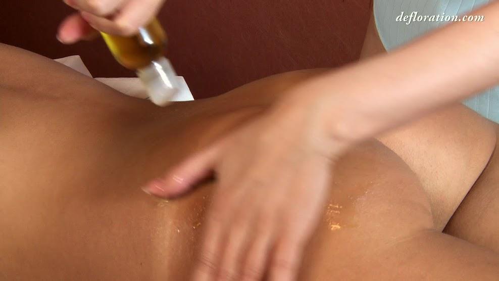 Defloration virgin Fuck first time-def.14.05.22.marusya.mechta.massage.video.mp4