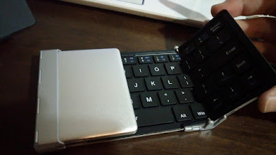 折り畳み式キーボード