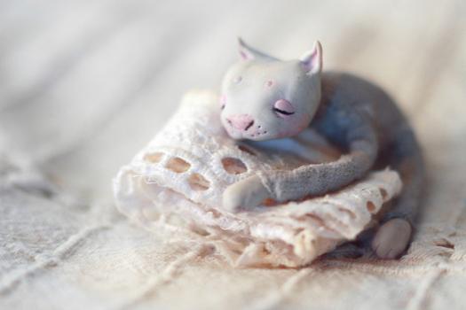 Gato hecho con porcelana fria