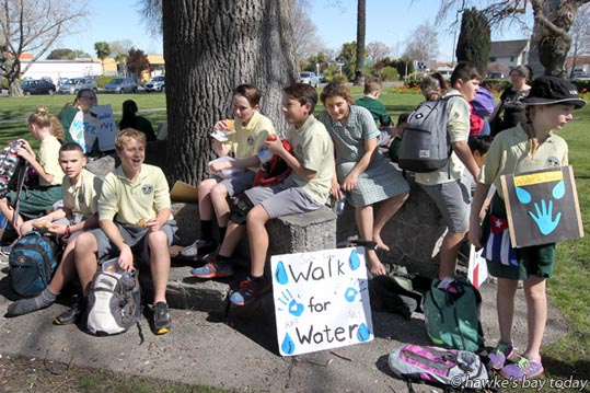 A group of kids from Havelock North Intermediate School, Havelock North, walked from their school to Civic Square, Hastings, had lunch, then walked back to the school. Story about the gastro outbreak in Havelock North, from a Hastings District Council water supply. They hoped to raise $1,000 for Water for Sudan. photograph