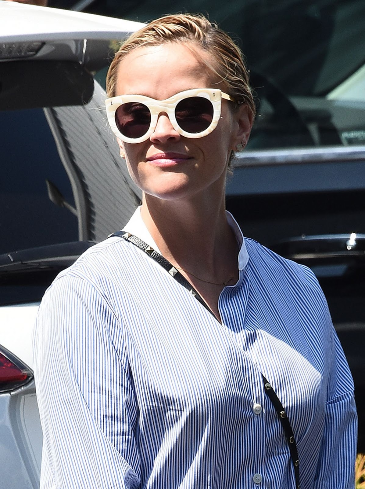 Reese Witherspoon out in West Hollywood