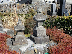 諏訪頼重の墓