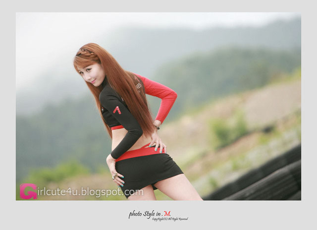 xxx nude girls: Go Jung Ah at CJ SuperRace R4 2012
