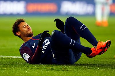 Neymar faz cirurgia nesse sábado e recebe a visita de Bruna Marquezine