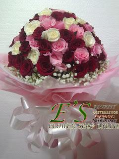 rangkaian buket mawar mix
