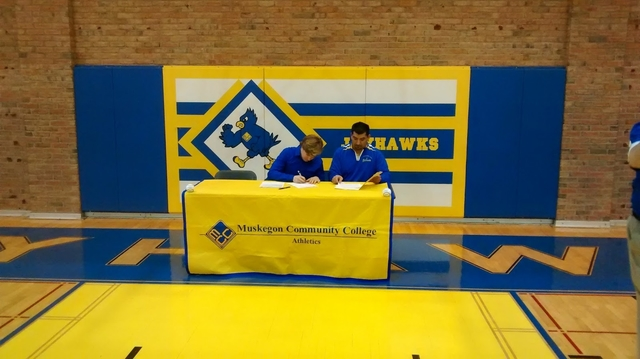 Nate Bonter signs with MCC