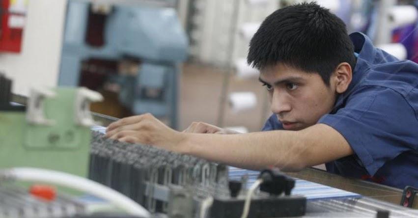 Ministerio de Trabajo ofrece 450 becas de capacitación en confección textil para jóvenes de Lima Este