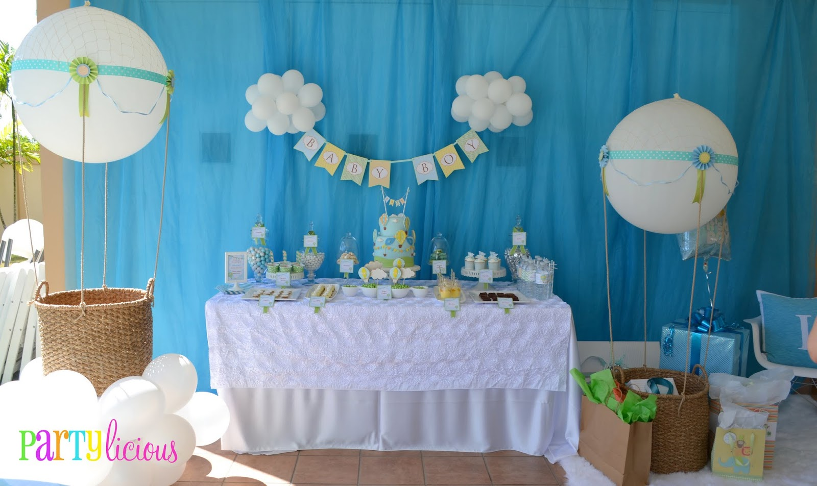 Como Decorar Un Baby Shower Partylicious Events Pr Up Up And Away Baby Shower