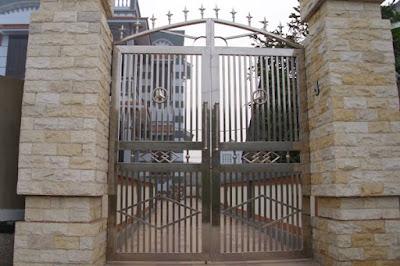 Cửa cổng inox 2 cánh đẹp