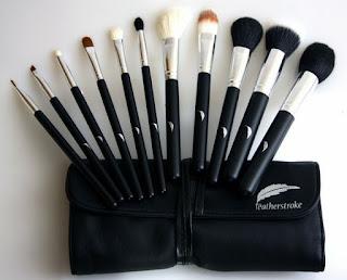pengertian dan fungsi kuas makeup rias