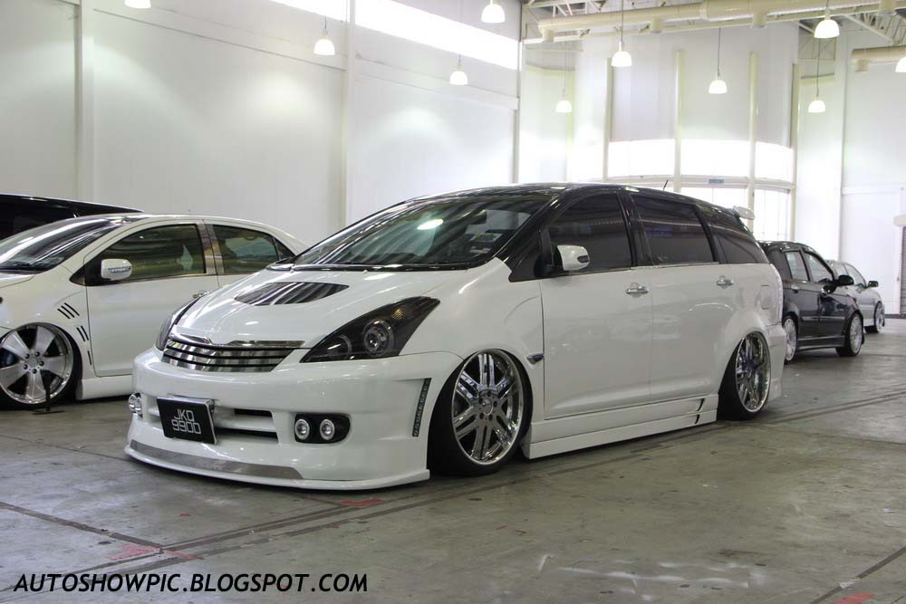 Autoshow Pic: VIP Style Toyota Wish