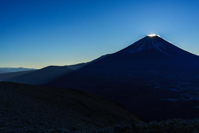 山梨百名山・竜ヶ岳から望む富士山
