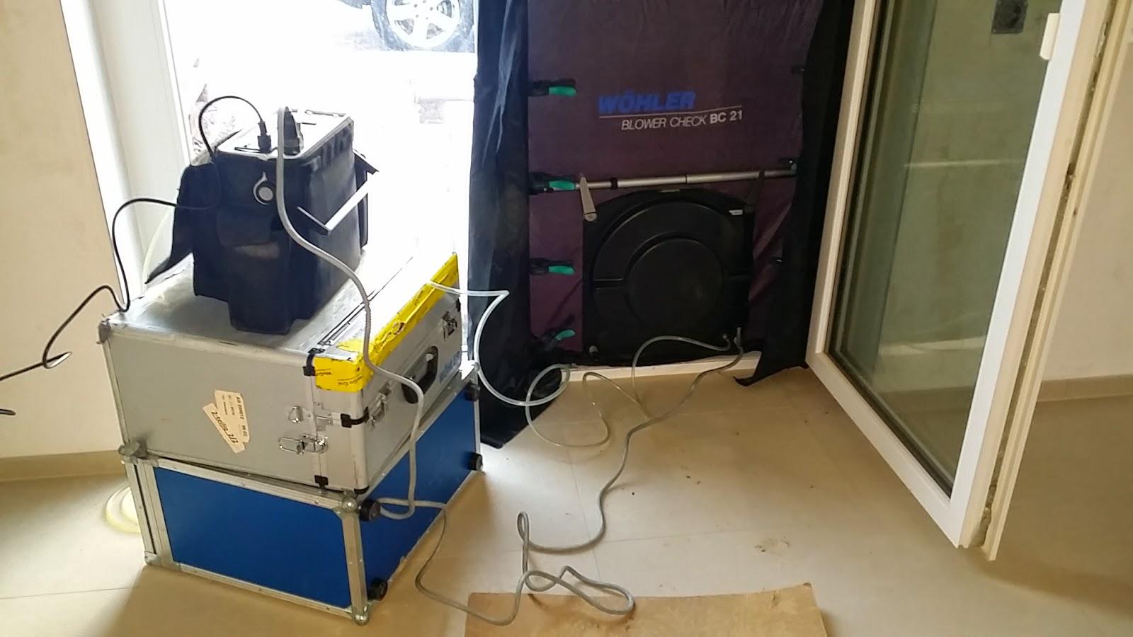 baublog wir bauen in neesbach t v begehung und blower door test. Black Bedroom Furniture Sets. Home Design Ideas